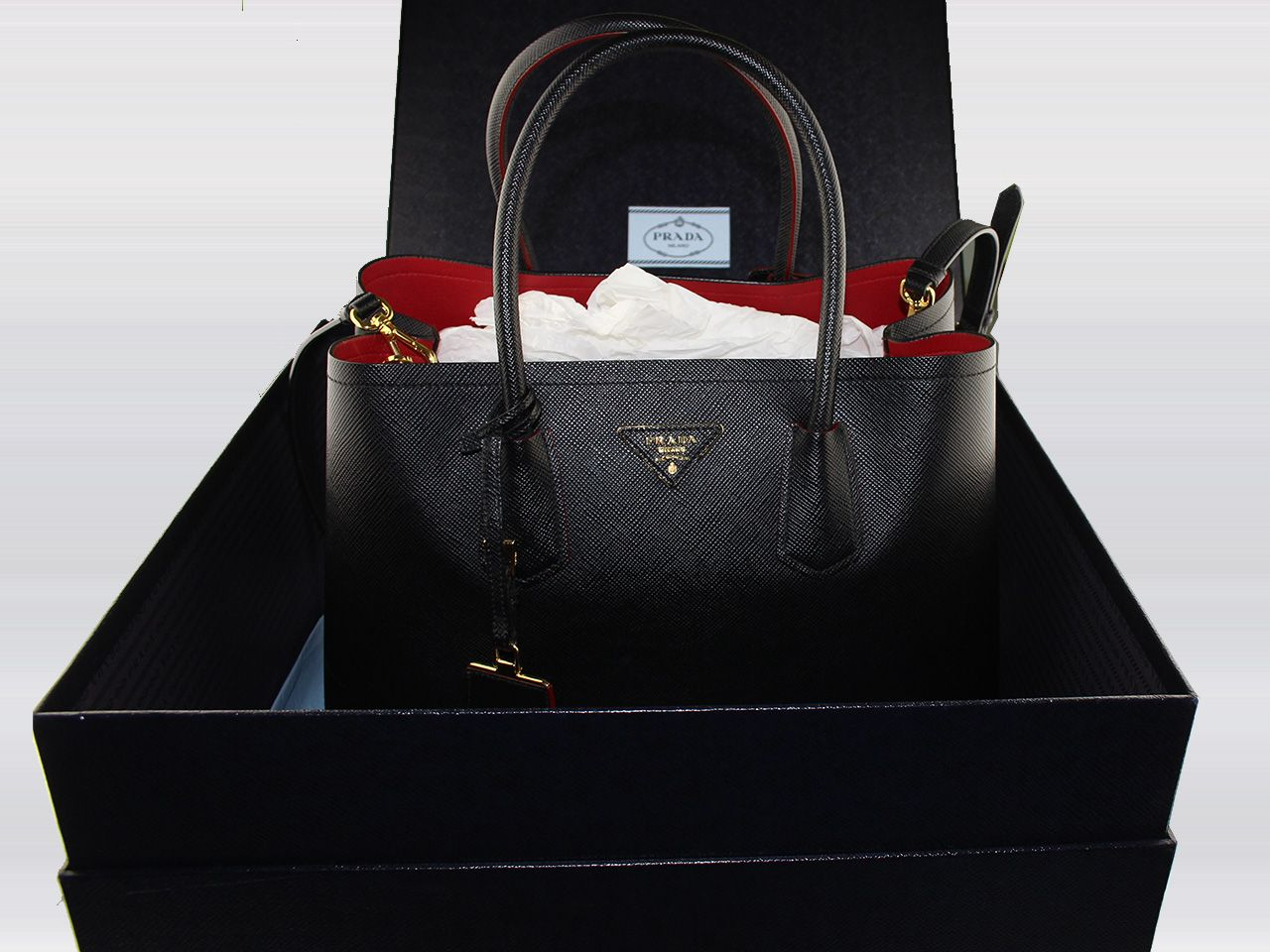 sac main prada double bag en cuir saffiano couleur noir. Black Bedroom Furniture Sets. Home Design Ideas