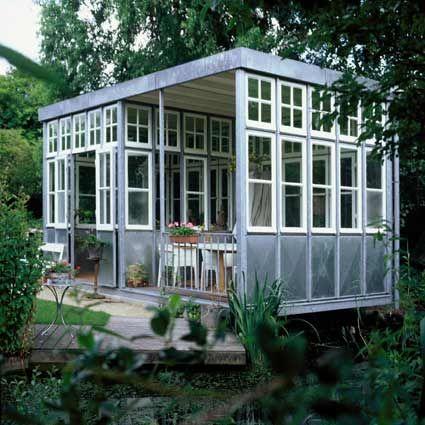 Piet hein eek tuinhuis in de tuin bij de bakkerswinkel for Home design zoetermeer