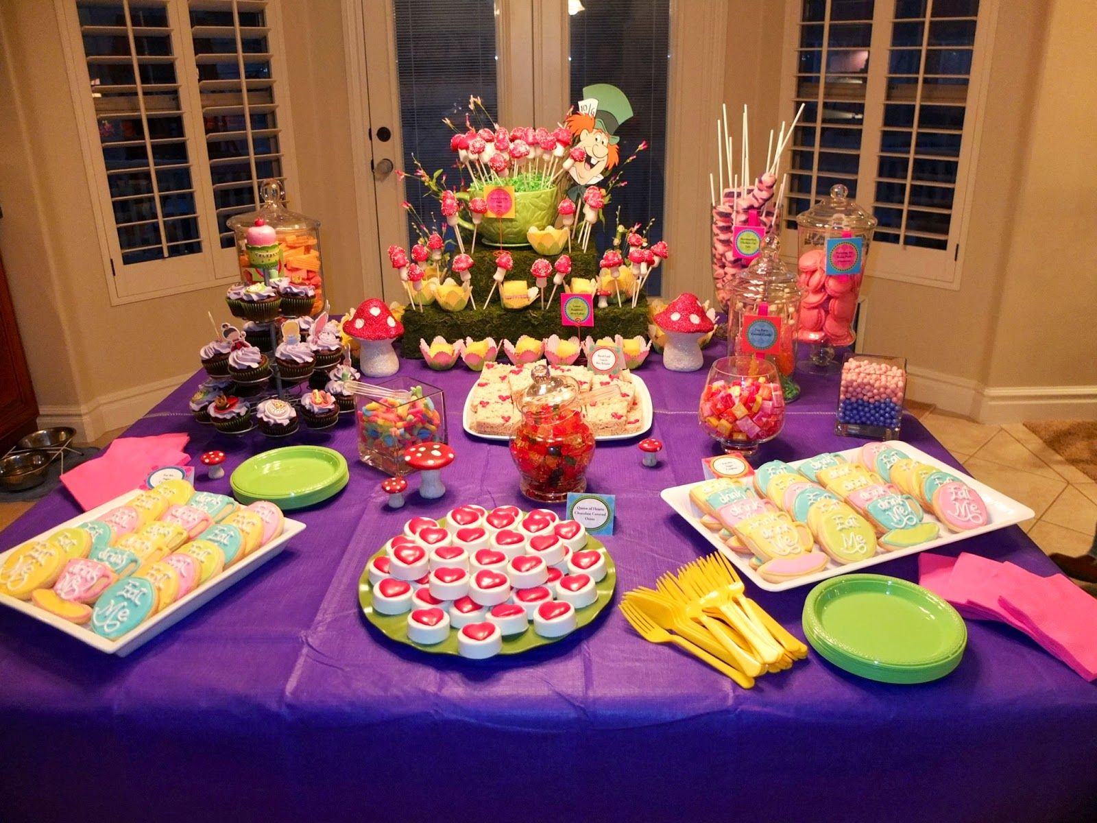 Mad hatter tea party decoration ideas - Alice In Wonderland Party And Wanted To Have A Mad Hatter And Alice In Wonderland