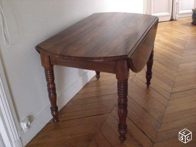 table ronde avec abattants ameublement paris immo nouveaux achats d co. Black Bedroom Furniture Sets. Home Design Ideas