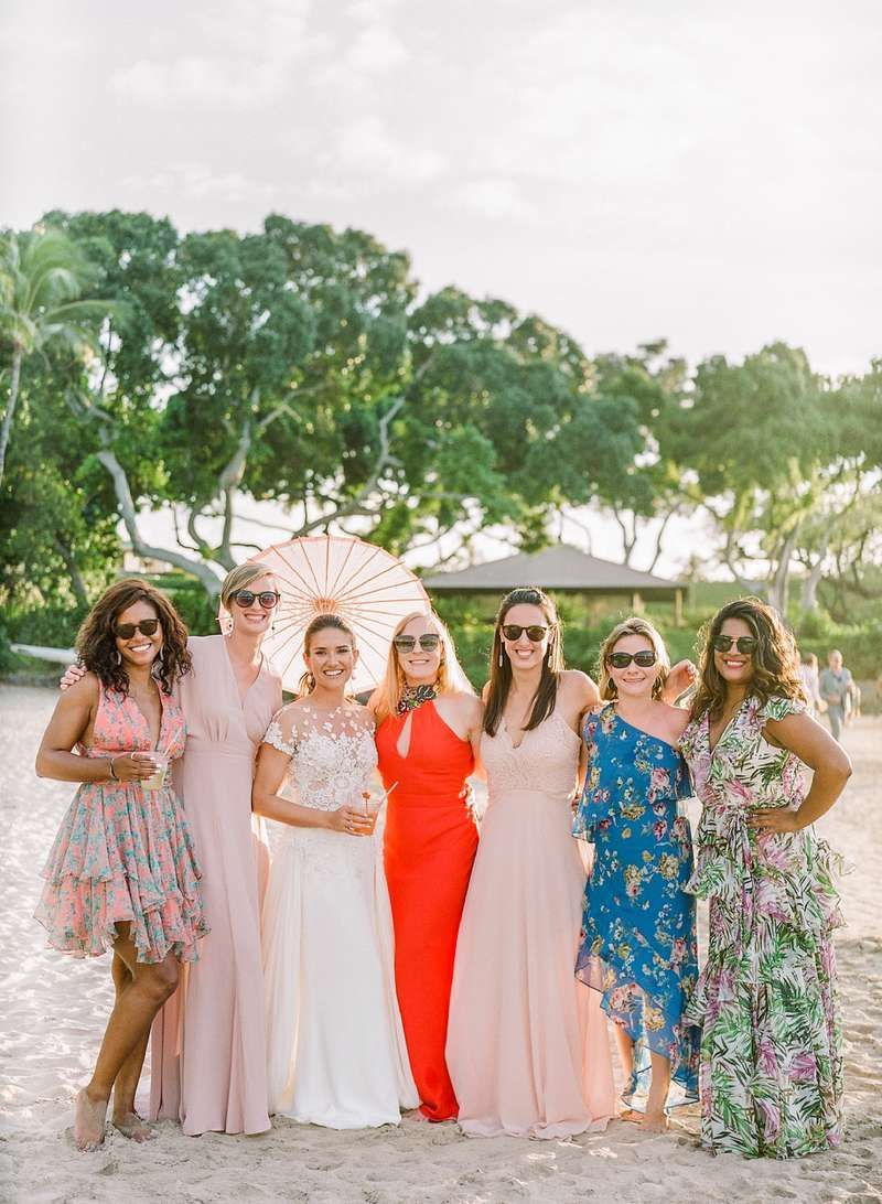 A Tropical Wedding In Hawaii With A Surprise Family Only Elopement Hawaii Wedding Tropical Wedding Wedding [ 1092 x 800 Pixel ]