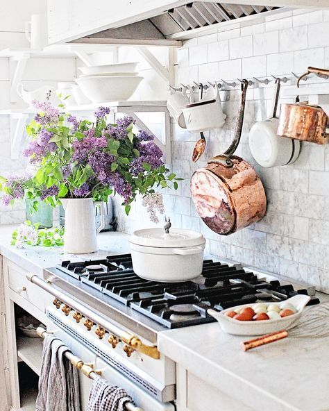 35+ Best Farmhouse Kitchen Decor Ideas to Fuel Your Remodel #countrykitchens