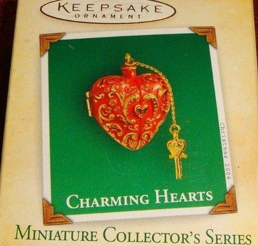 "2004 HALLMARK KEEPSAKE ""CHARMING HEART"" MINIATURE LOCKET ORNAMENT CHARM NIB"