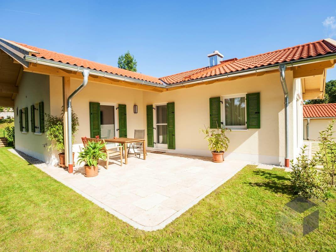 Pin von auf bungalows bungalow ideen und for Haus bauen fertighaus