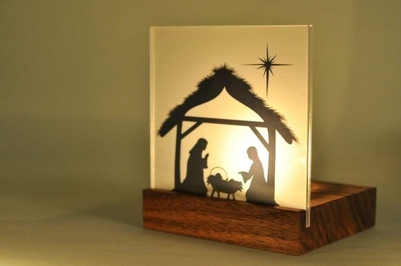 Krippe Holz Mini Weihnachtskrippe Holz Nussbaum Modern Mit Etsy Weihnachten Holz Krippe Weihnachten Holzideen Weihnachten