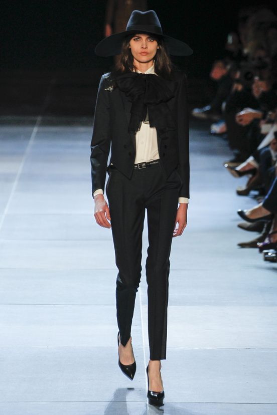 7f83eaec127 Défilé Saint Laurent: Printemps-été 2013 | Yves Saint Laurent | Bluse