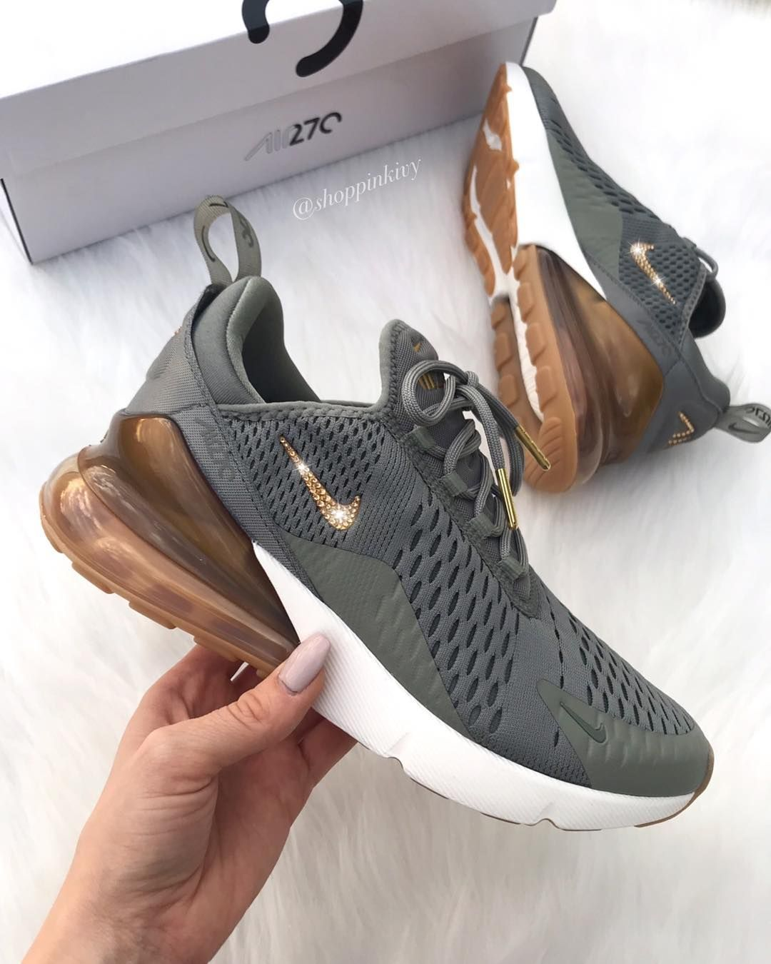 Women Nike Shoes Fashion Lace up with the latest styles of