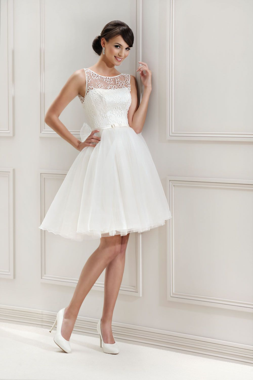 Kurzes Brautkleid aus der Agnes by Mode de Pol Kollektion