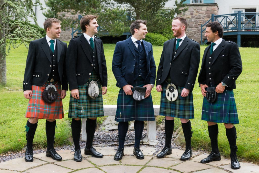 How To Add Scottish Wedding Traditions Scottish Wedding Scottish Wedding Dresses Scottish Wedding Traditions