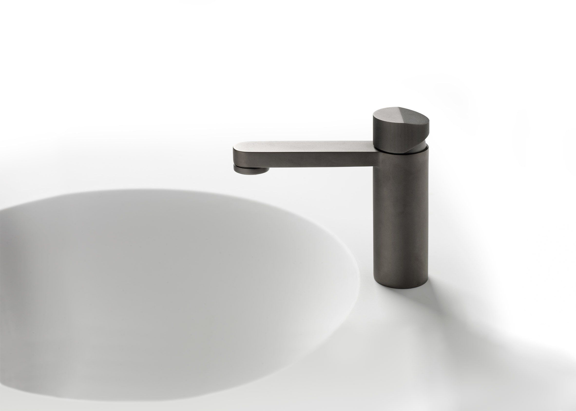 Foster partners designs first bathroom range for for Bathroom accessories taps