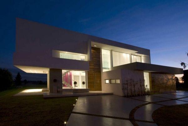 Betonhaus Flachdach-Kubus Glasfronten