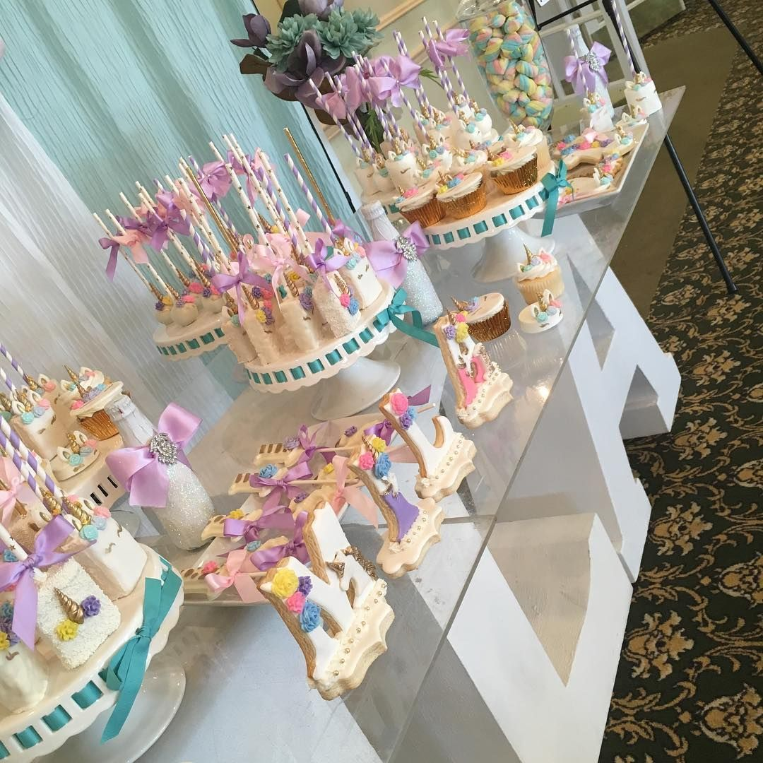 Unicorn Dessert Table Not All The Desserts Were Mine But They Look Beautiful Together Festa Unico Unicorn Dessert Table Unicorn Birthday Cake Birthday Desert