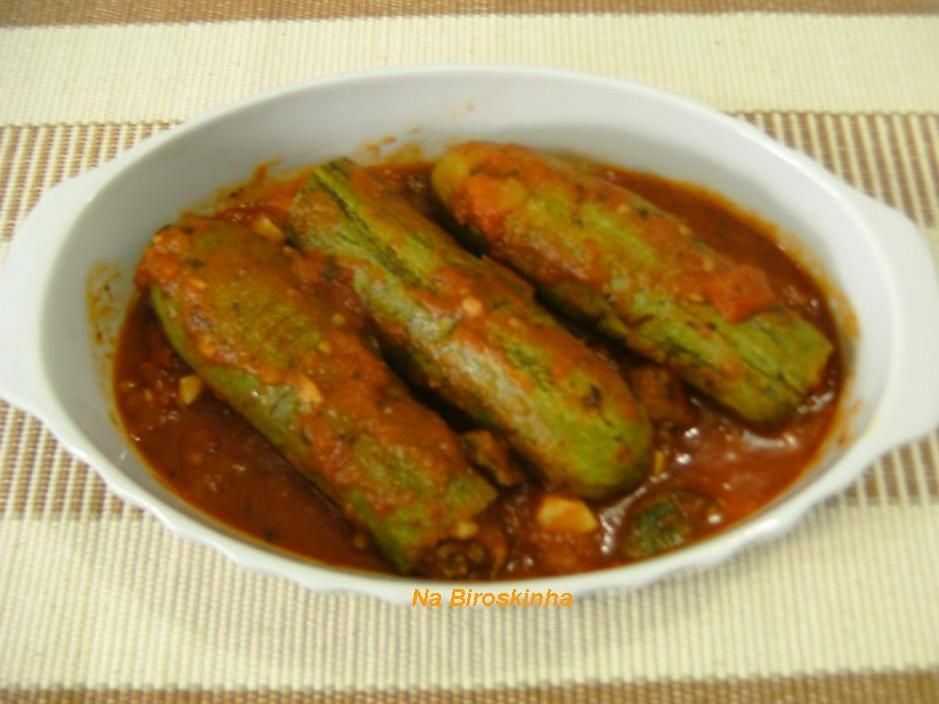 Tenho verdadeira admiração pela culinária árabe! Quem pode resistir a uma kafta bem temperada, um kibe com coalhada fresca, esfihas macia...