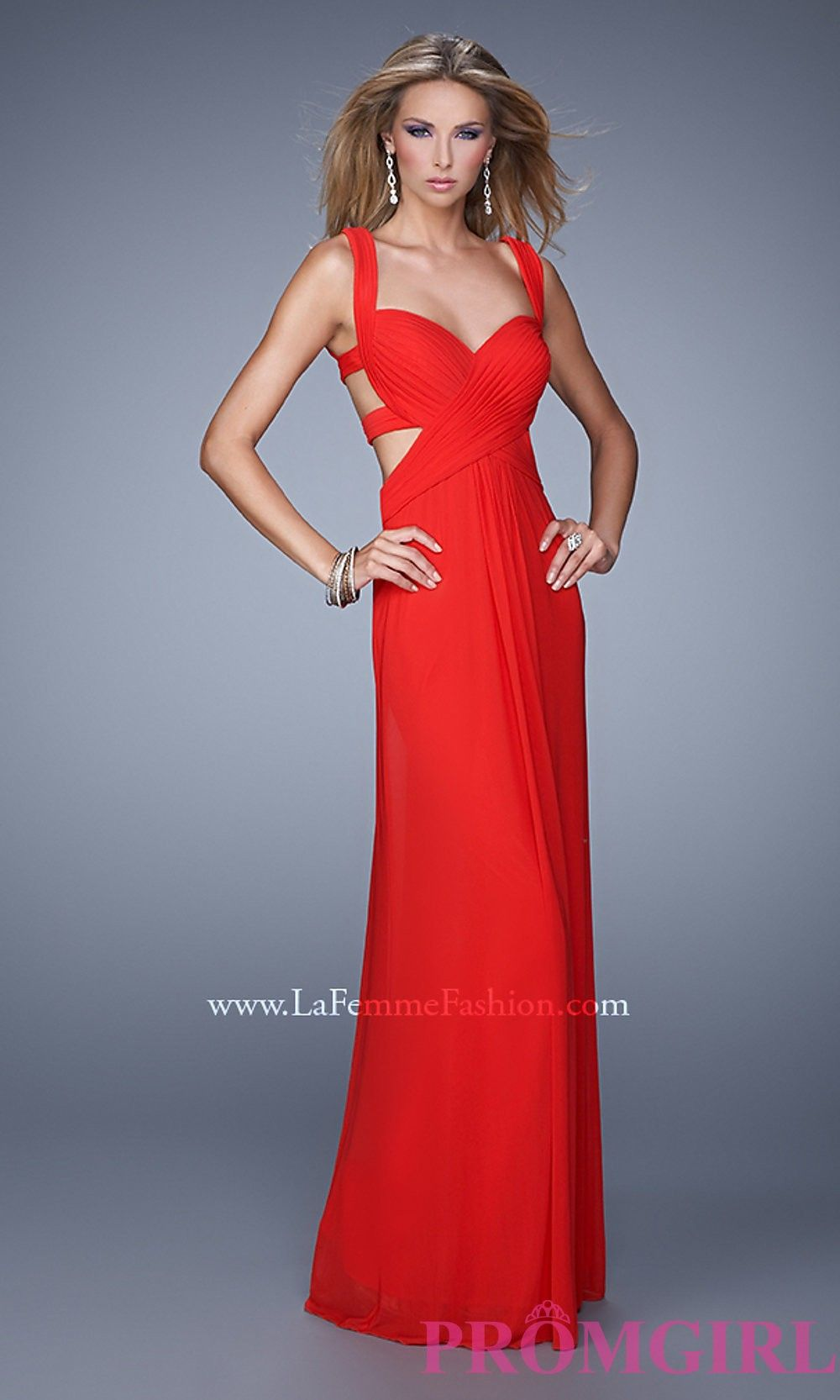 Sweetheart gown with open back by la femme blog