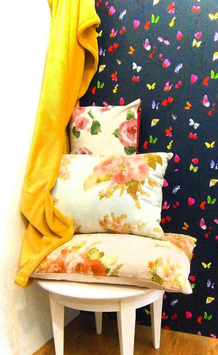Tienda de El hogar ideal, cojines con flores, flowers cushion, plaid yellow. http://elhogarideal.com/es/30-cojines-ideal-
