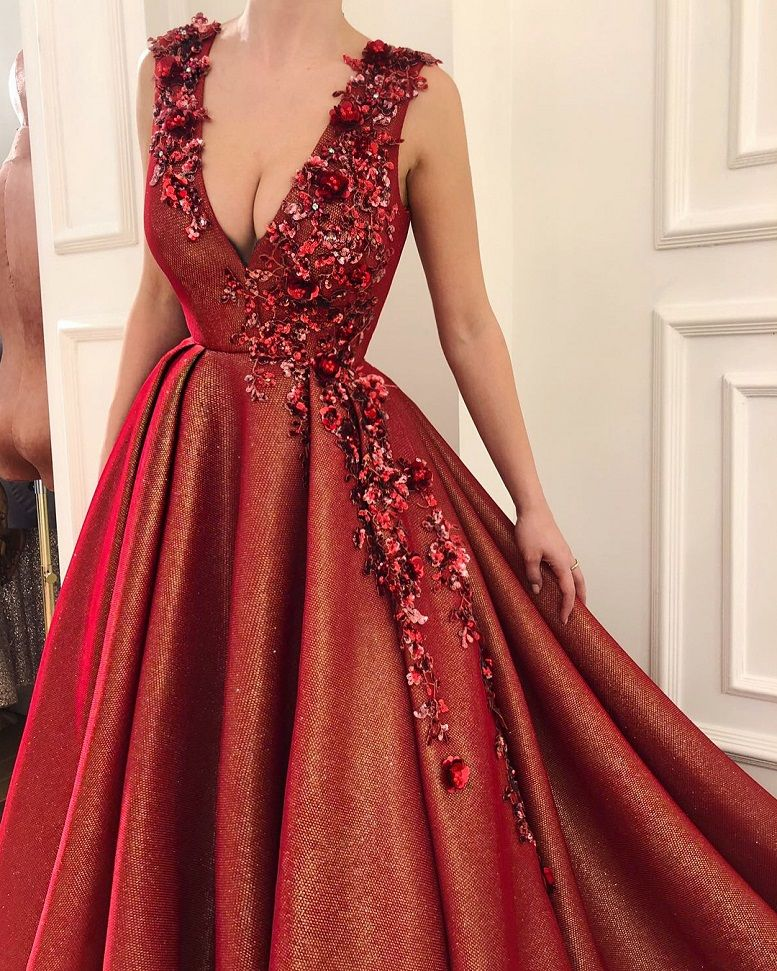 28 Prom Dresses That Will Make You The Prom Queen - V neckline burgundy dress, Prom dress #promdress #bluedress