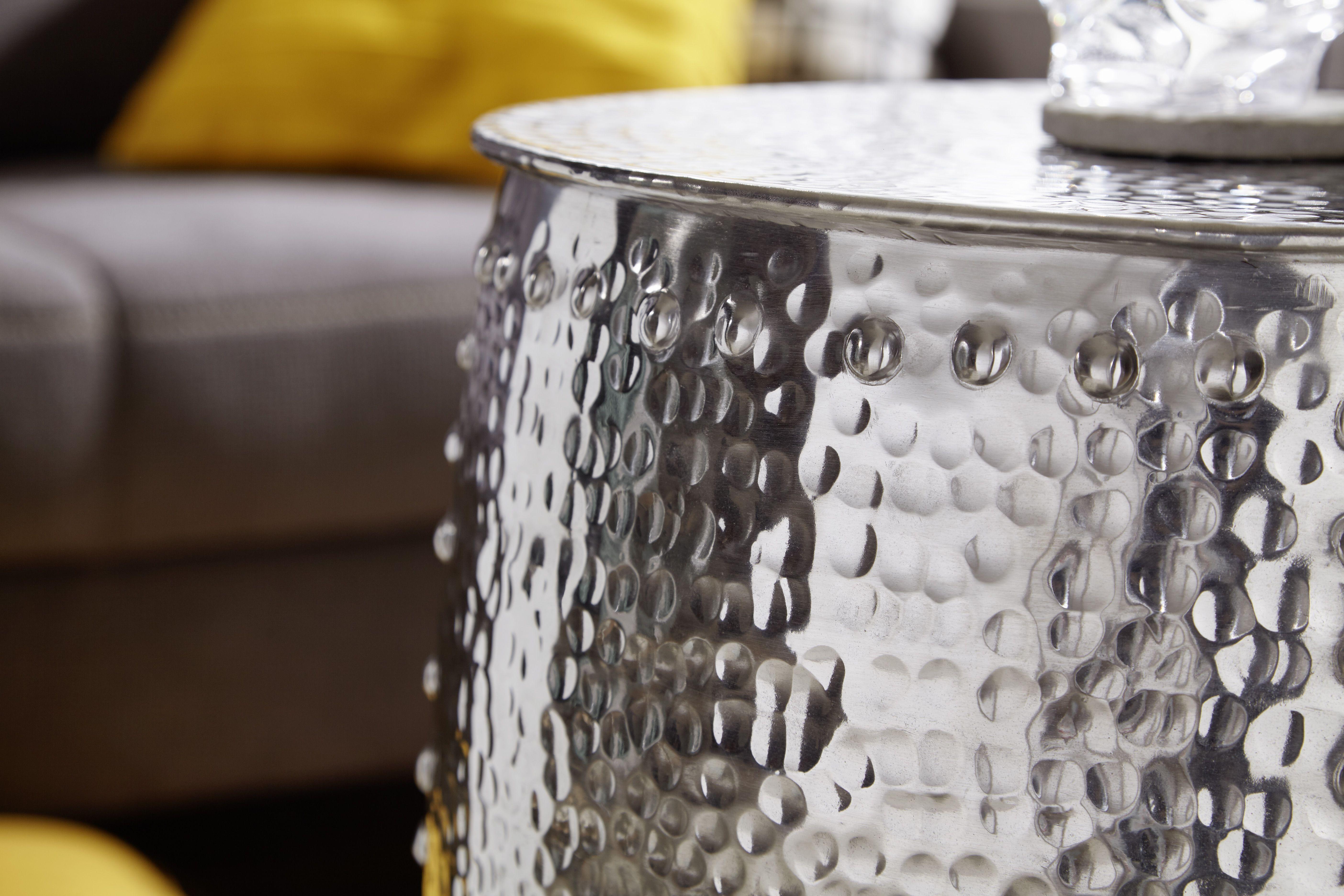 beistelltisch #wohnzimmer #dekoration #aluminium #wohnidee