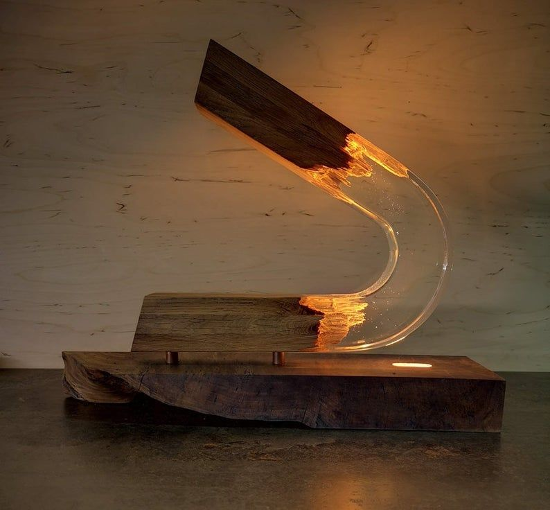 Gebogene Lampe Epoxy Holz Lampe Nachtlampe Harz Etsy In 2020 Wood Lamps Resin Table Arch Lamp