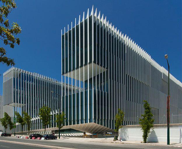 Sede edp lisboa google search office tower pinterest for Architecture lisbonne