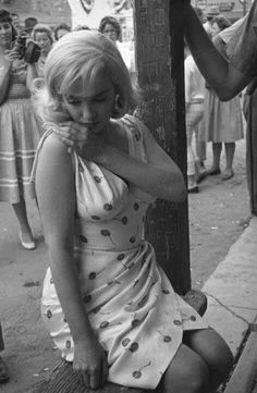 Marilyn on the set of The Misfits, 1960. | Marilyn The Misfits ...
