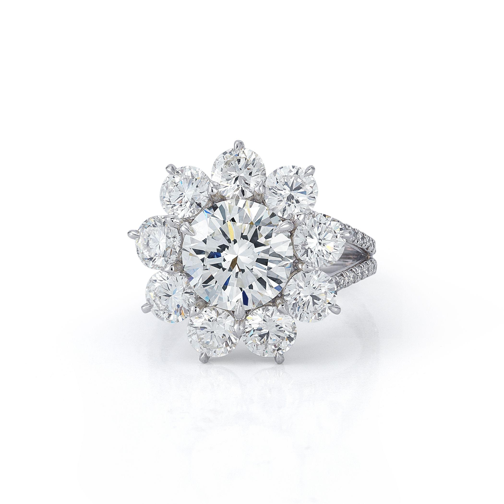 Romantic Round Brilliant-Cut Diamond Ring