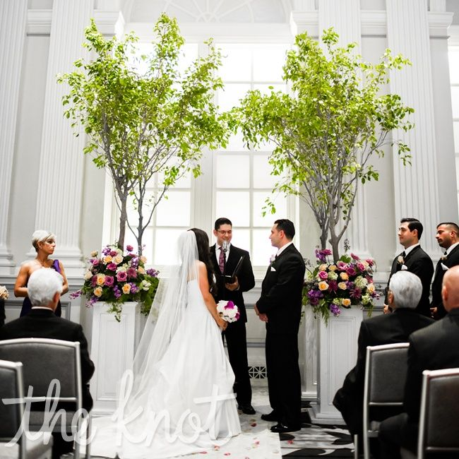 Wedding Altar Line Up: Bringing In The Outdoors To An Inside