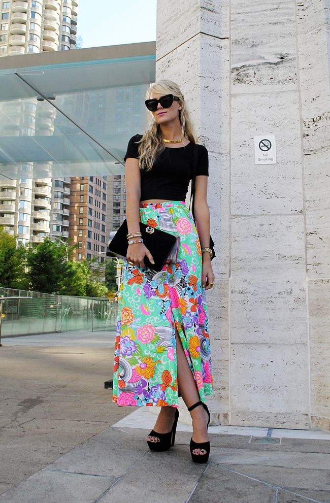 Jennifer Rand of Belle de Couture in a vintage skirt, AA crop top, Steve Madden heels, HoH1960 sunglasses, and vintage accessories
