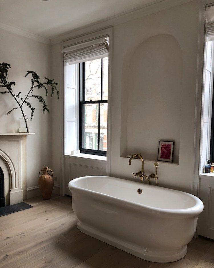 The beautiful bathroom of @eyeswoon.   Bathroom decor ...