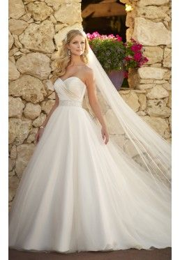 Stella York by Essence of Australia - Style 5647 - Bridal Dresses