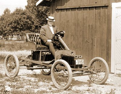 1914 Ford electric car prototype ===> https://de.pinterest.com/vel34cro/historic-electric-cars/ ===> https://de.pinterest.com/pin/447474912950483885/