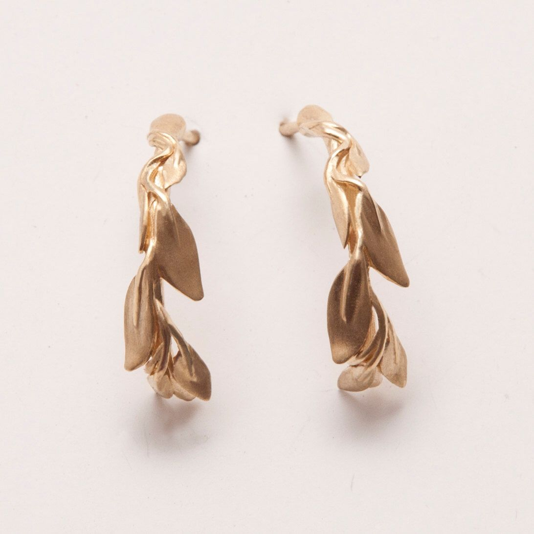 Leaves Earrings, 14K Gold Earrings, Stud Earrings, Art nouveau, antique stud earrings, vintage earrings, bridal earrings by doronmerav on Etsy https://www.etsy.com/listing/155668779/leaves-earrings-14k-gold-earrings-stud