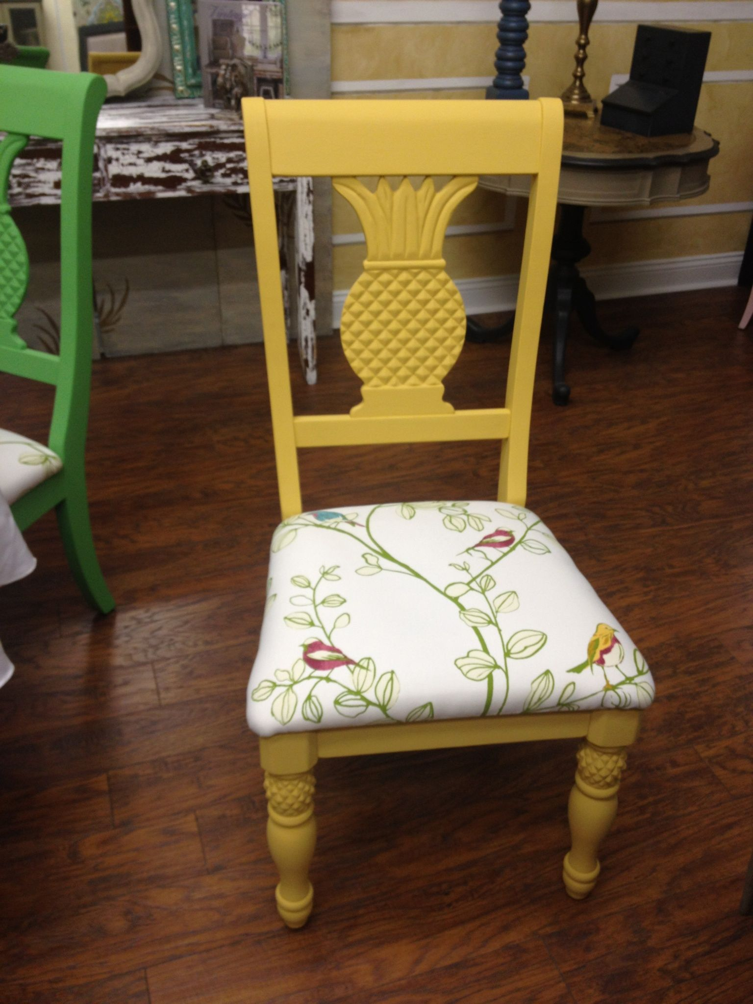 Pineapple chair painted with Chalk Paint Arles with Dark Wax