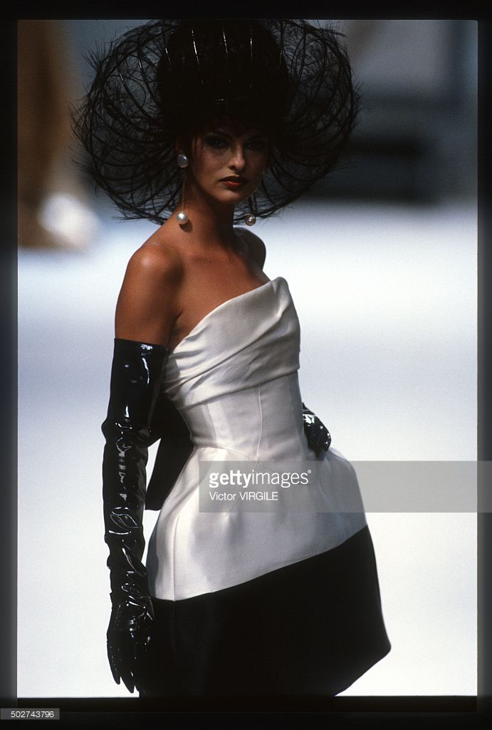 Linda Evangelista walks the runway during the Chanel Haute Couture show as part of Paris Fashion Week Fall/Winter 1991-1992 in July, 1991 in Paris, France.