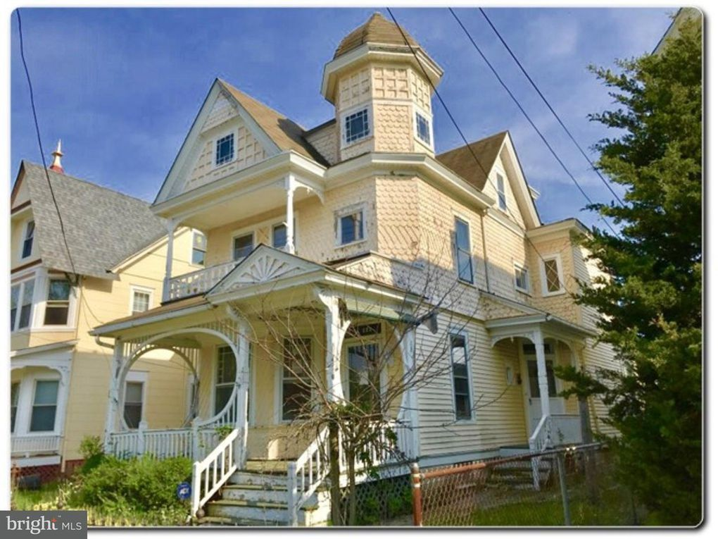223 E Pine St Millville Nj 08332 Victorian Homes House Styles Old Houses
