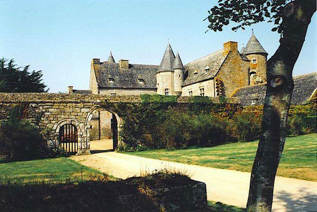 Chateau de Coat-Trédrez / Kastell Koad-Tredraezh. Encyclopédie Marikavel des noms de lieux.