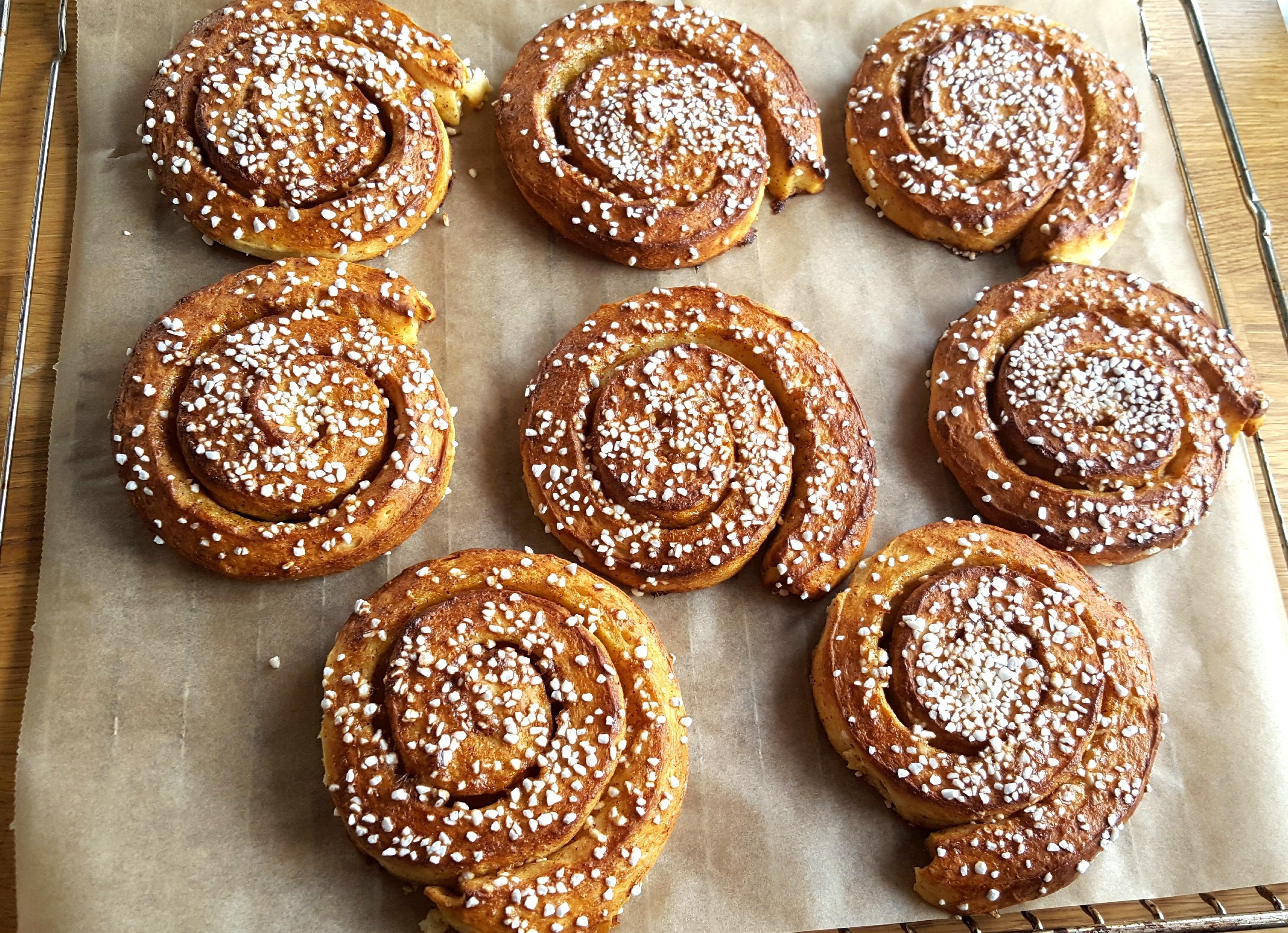 Homemade] Swedish cinnamon rolls! | My favourites | Pinterest