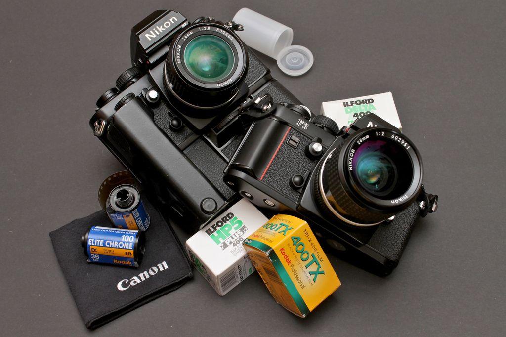 Nikon F3 Hp 24mm F 2 8 Ais 28mm F 2 Ais Vintage Cameras Camera Photography Camera For Photography