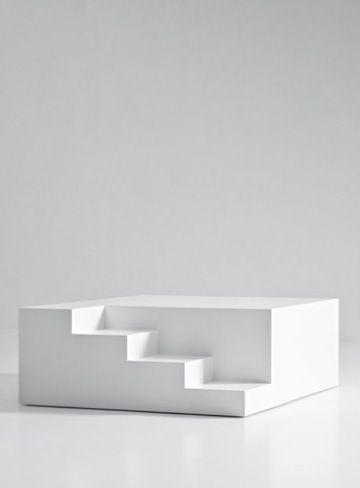 Mezzanino, table-podium in white   table . Tisch   Design: Noa Ikeuchi & Tommaso Nani  