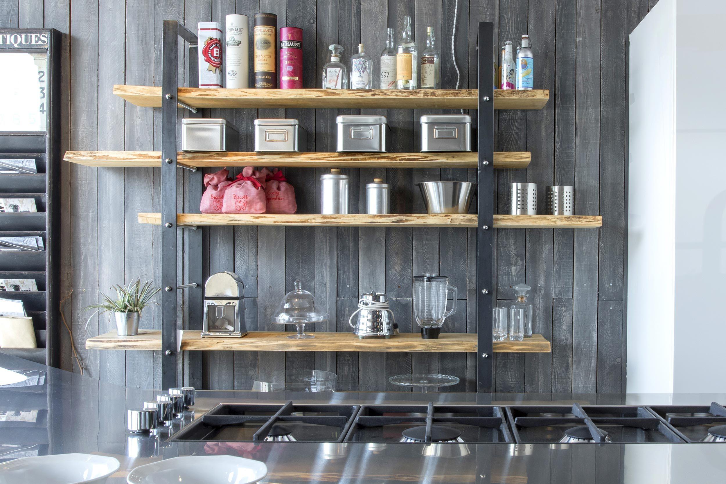 Legno Grezzo Per Mensole : Libreria in legno di pioppo effetto grezzo sostenuta da montanti