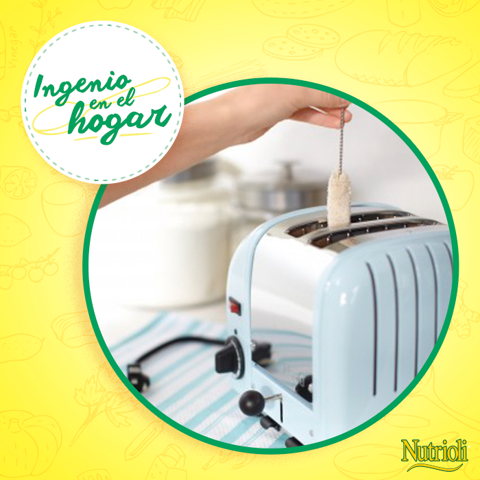 ¿Te gustaría limpiar meticulosamente tu tostadora? Mantenla funcional limpiándola con un cepillo delgado de algodón, introduciéndolo con paciencia puedes dejarla impecable. ¿Qué otro tip de limpieza para sitios complicados conoces?