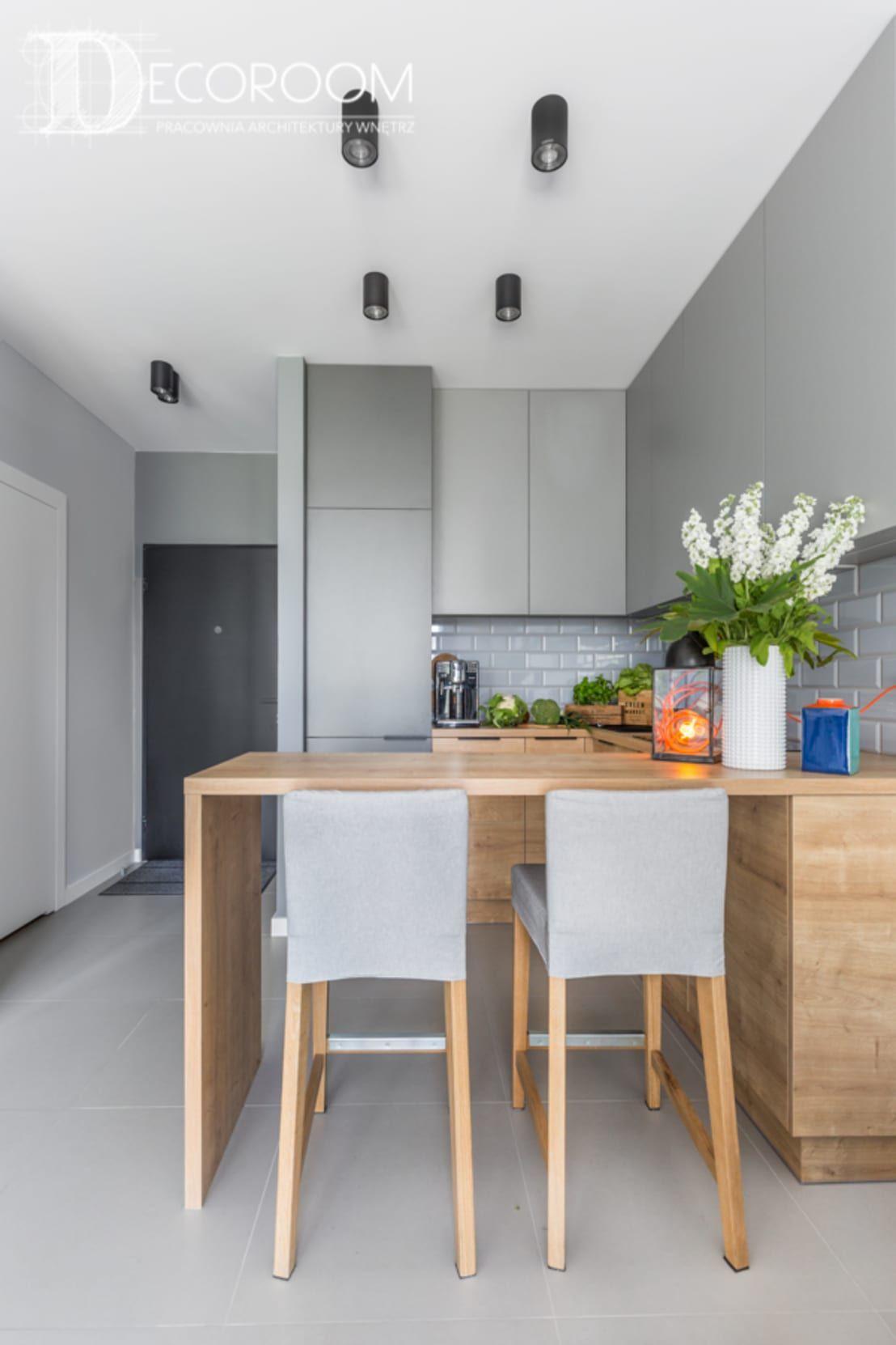 Small Kitchen Design 10x10: Kawalerka Dla Singla, Profesjonalista: Decoroom (With