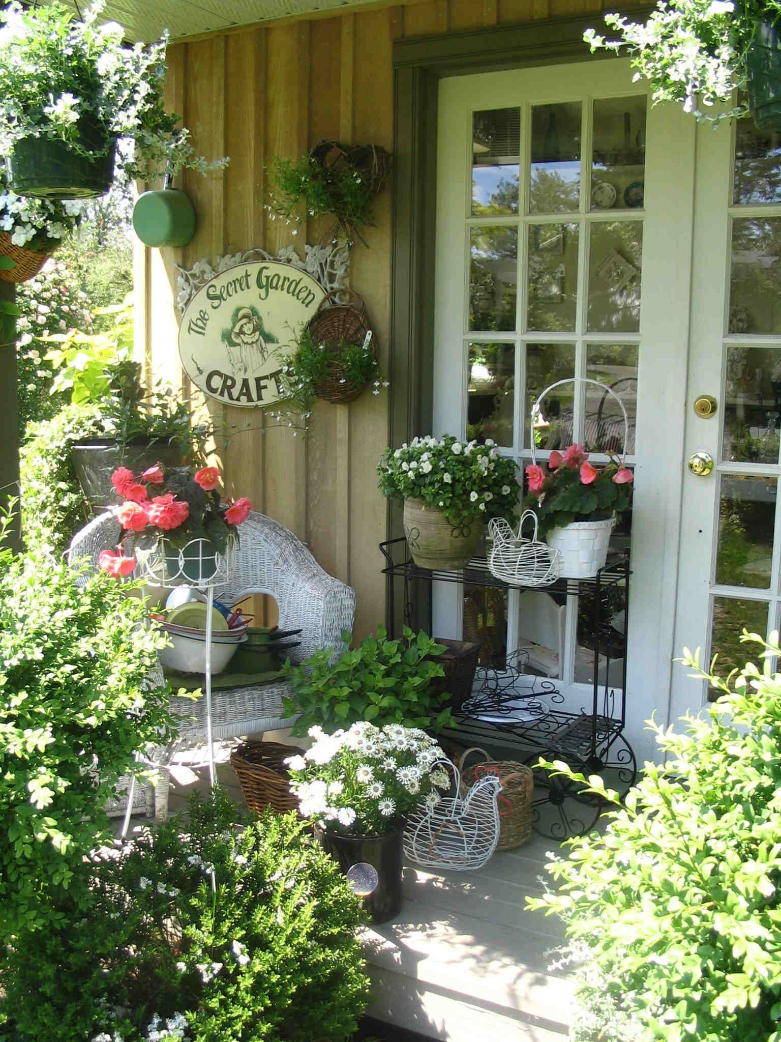 10 Shabby Chic Garden Decorating Ideas, Most of the Brilliant as well as Attractive