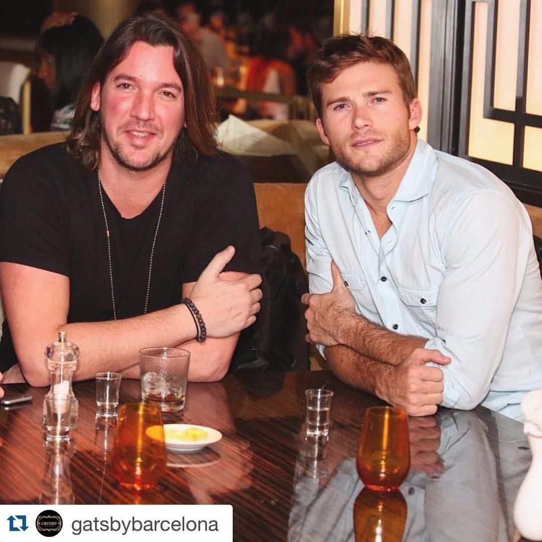 "FANPAGE of Scott Eastwood  op Instagram: ""New pic from last night @gatsbybarcelona: About last night! We couldn't be happier that @scotteastwood chose #GatsbyBarcelon to have dinner yesterday!  We hope that they all had a wonderful evening and hope to have him back very soon! Team Gatsby will be waiting! #GatsbyCeleb #LosSantos #WednesdayNight#scotteastwood"""