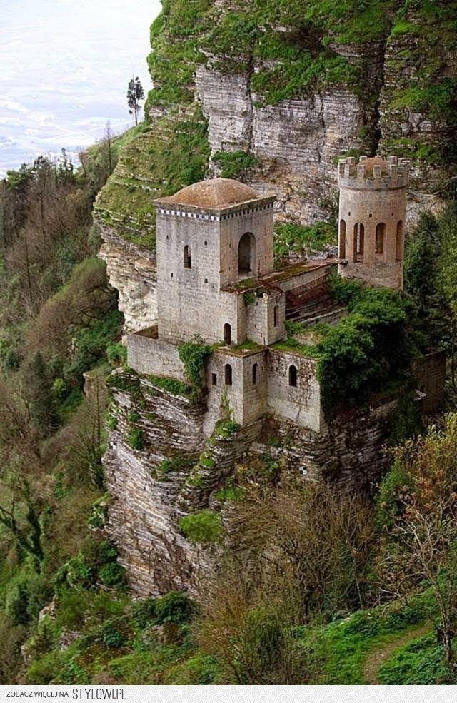 Cliff Castle. Trapani, Sicily.. na Stylowi.pl