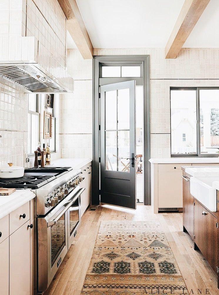 Pin By Courtney Steinman On Mountain Retreat Rustic Kitchen Rustic Kitchen Design House Interior