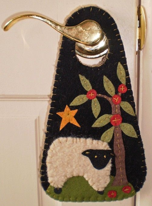 penny rug sheep door knob hanger email pattern via etsy navidad