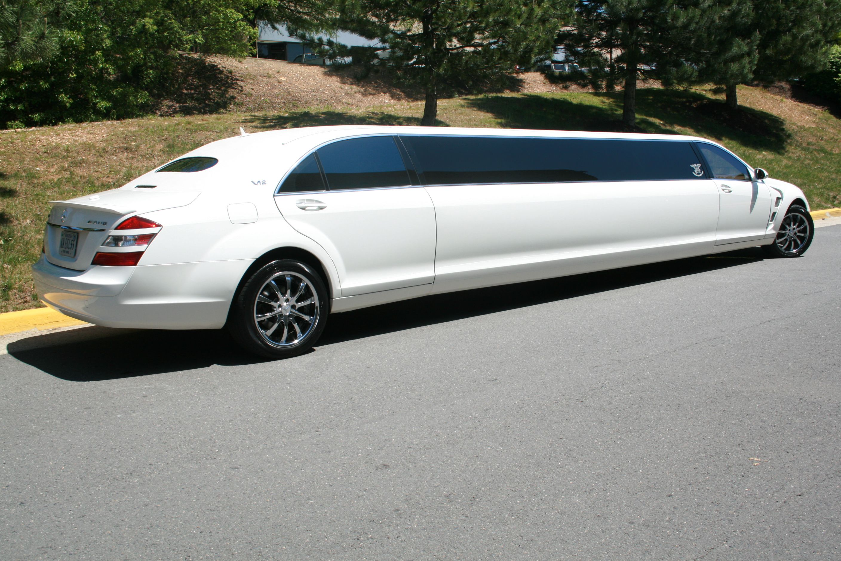Mercedes benz s600 stretch limousine mercedes benz s600 for Mercedes benz limo