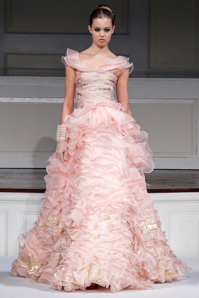 Oscar de la Renta Spring 2011 Ready-to-Wear Fashion Show