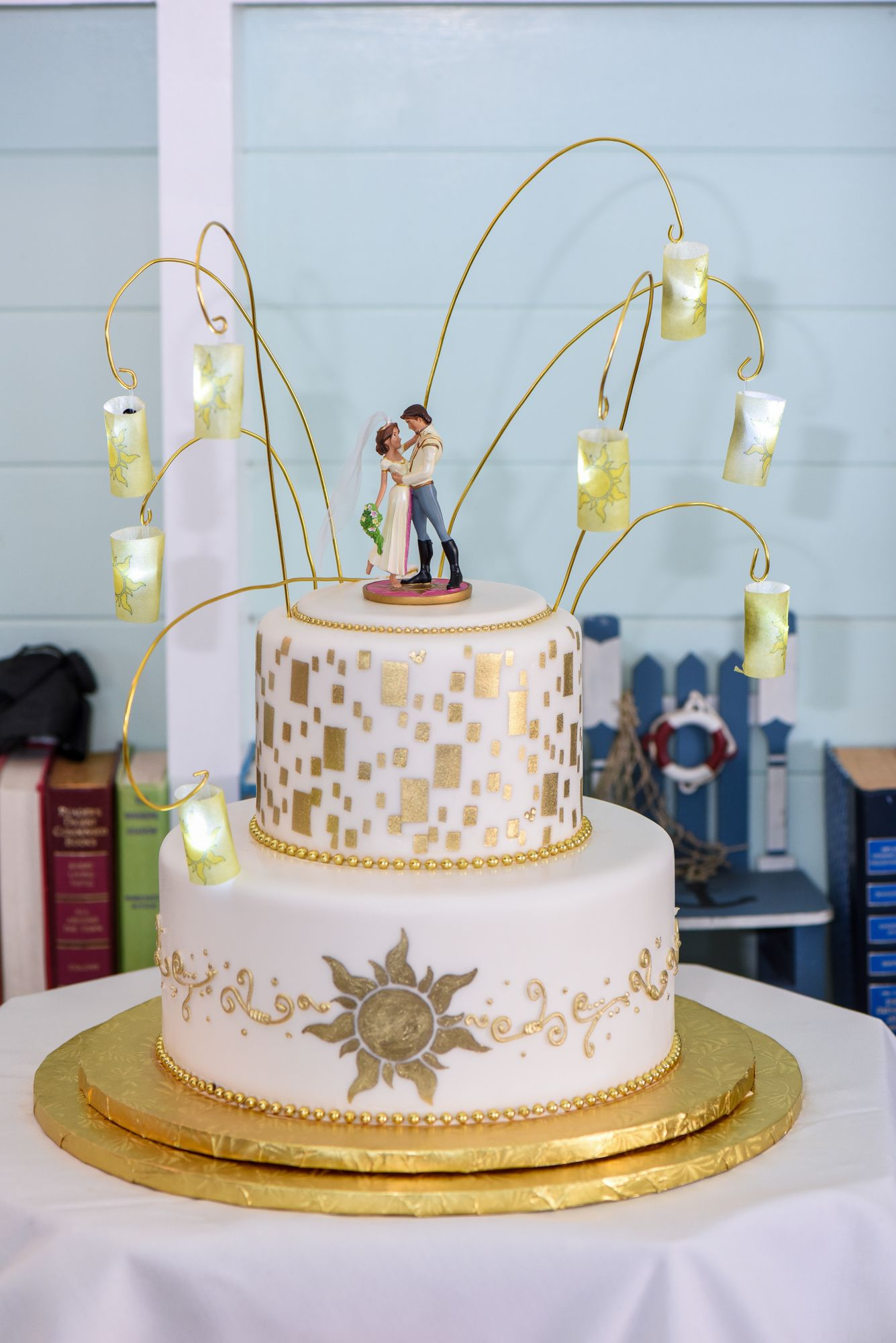 Gorgeous Tangled Themed Guest Rooms At Tokyo Disneyland: A Tangled-inspired Two Tier Wedding Cake Complete With