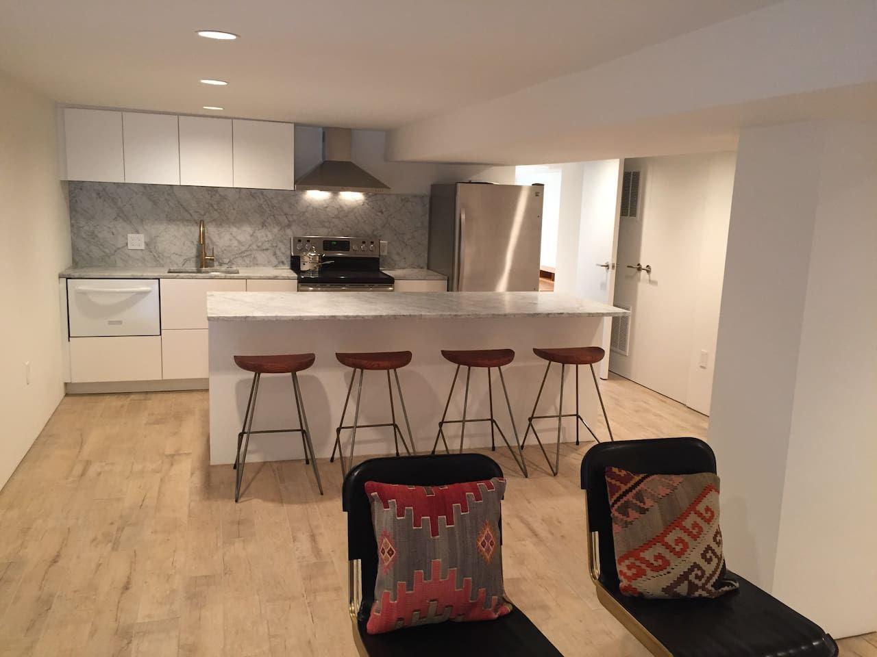 Sunny NoMa English Basement Apartment - Apartments for ...